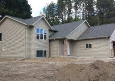 Photo of New house with new vinyl sidinig